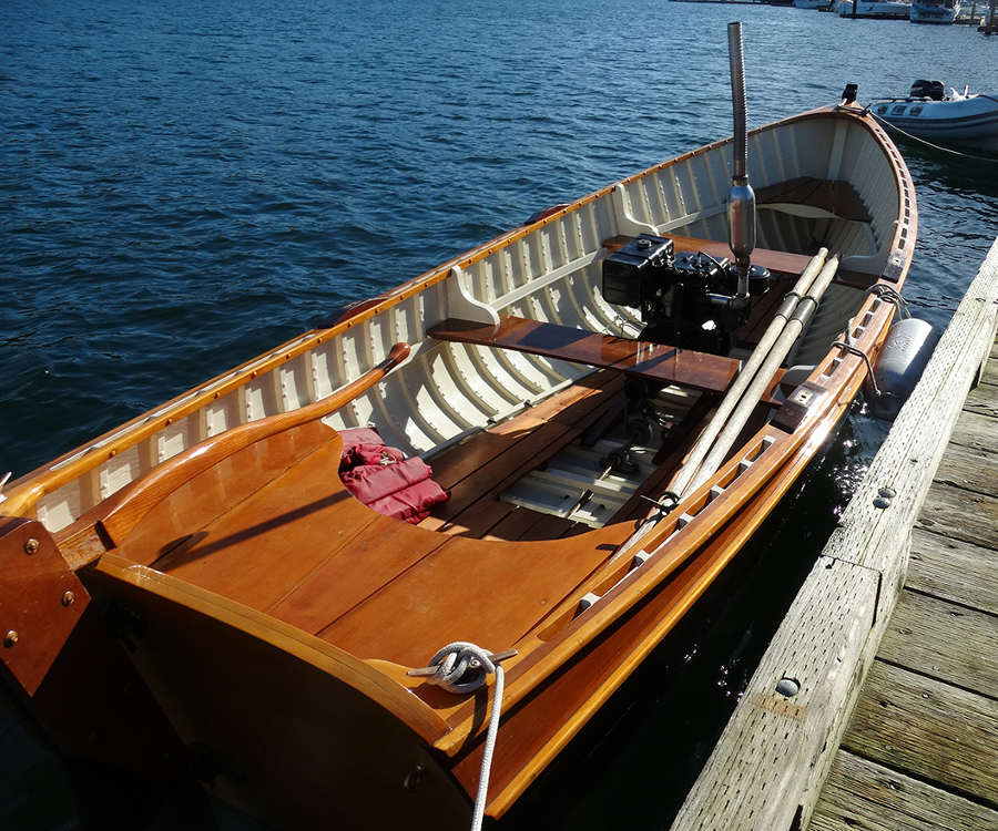 2013/01/02 : New Pilot House version of Harry 2 , 30' LOD sailing scow ...