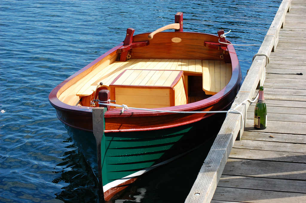 Small Wooden Boats : Jigger tender workboat tug traditional design