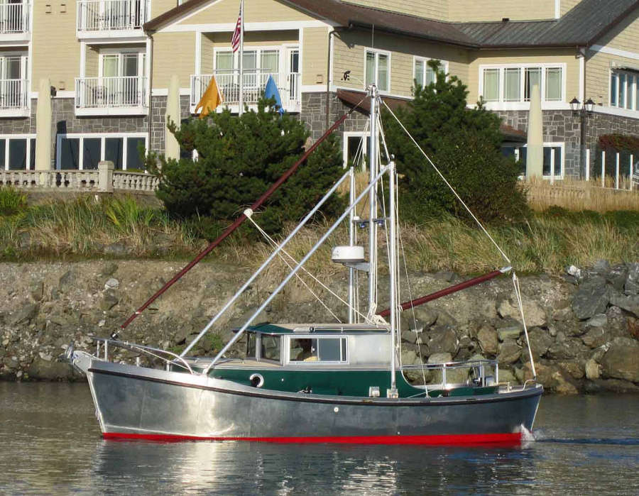 Garden bay 23 full displacement trailerable motor boat for Garden design trawler boat